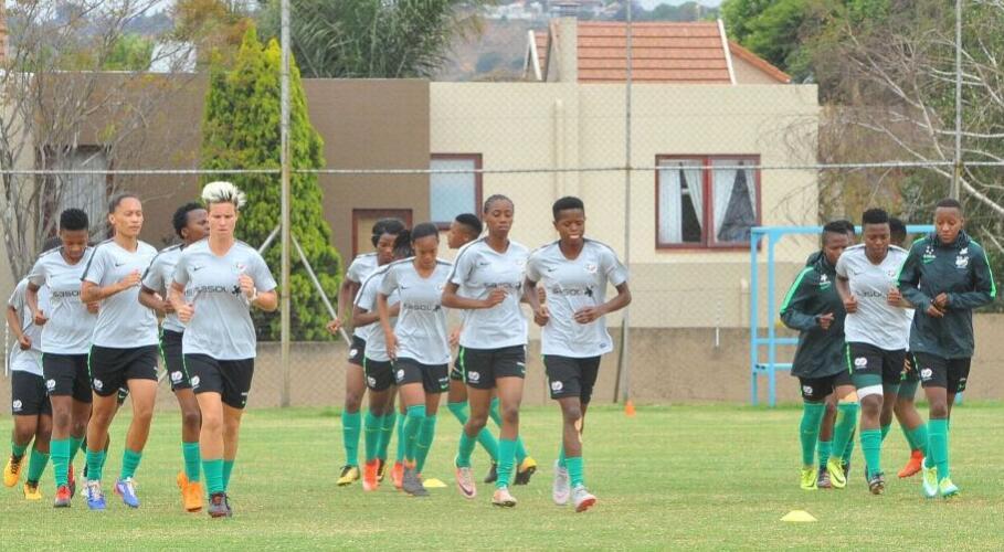 乐天堂称南非女子足球队教练巴亚纳纳邦将挪威加入到女足世界杯的准备工作中