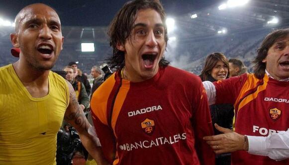 前米兰球星阿奎拉尼在其社交网站上宣布退役