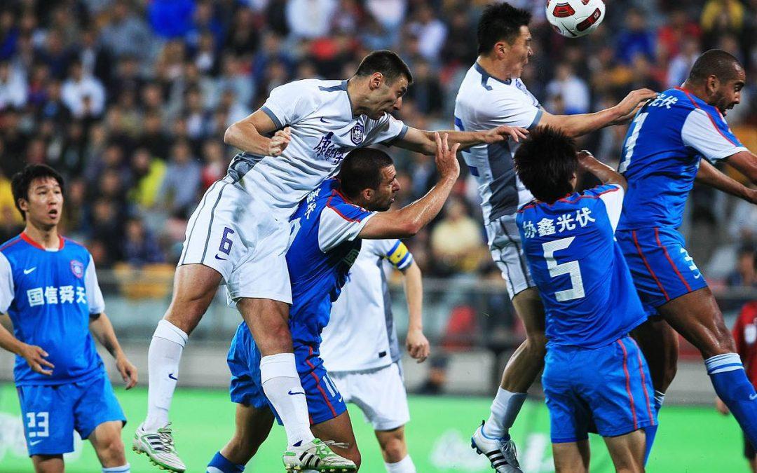 25岁的世界杯球员成为唯一亮点:比赛结束后,对手主动要求换下球衣!
