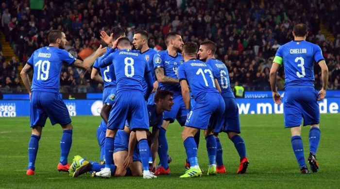 italy team in round 16