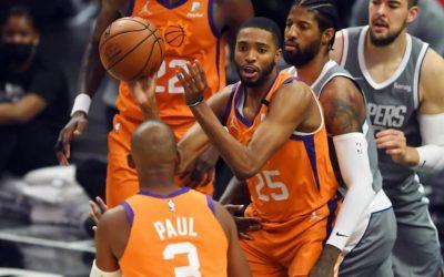 菲尼克斯太阳vs密尔沃基雄鹿 NBA联赛2021